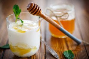Honey Yogurt Frosting